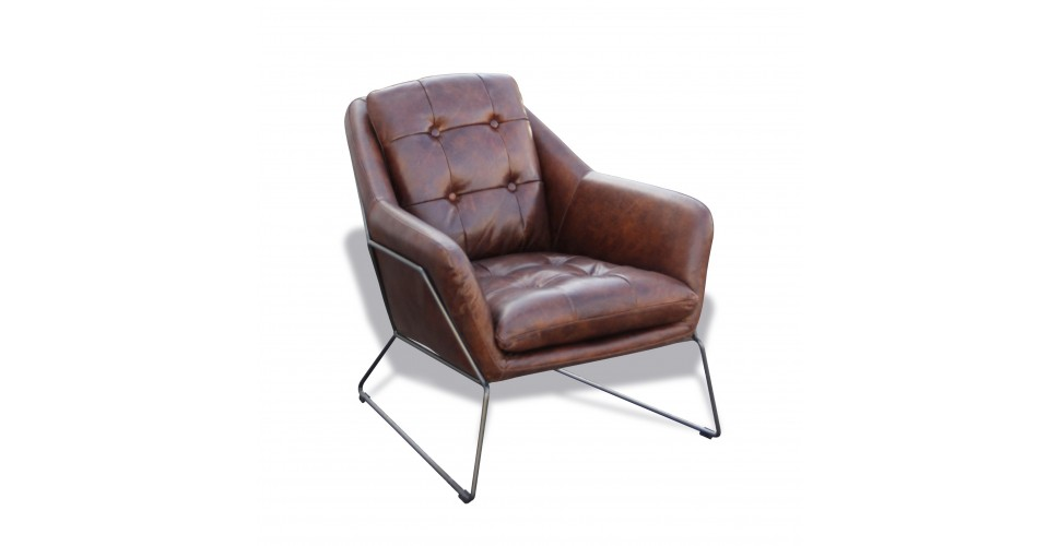 "Fauteuil Club ""Charlotte"" en cuir brun style cosy"