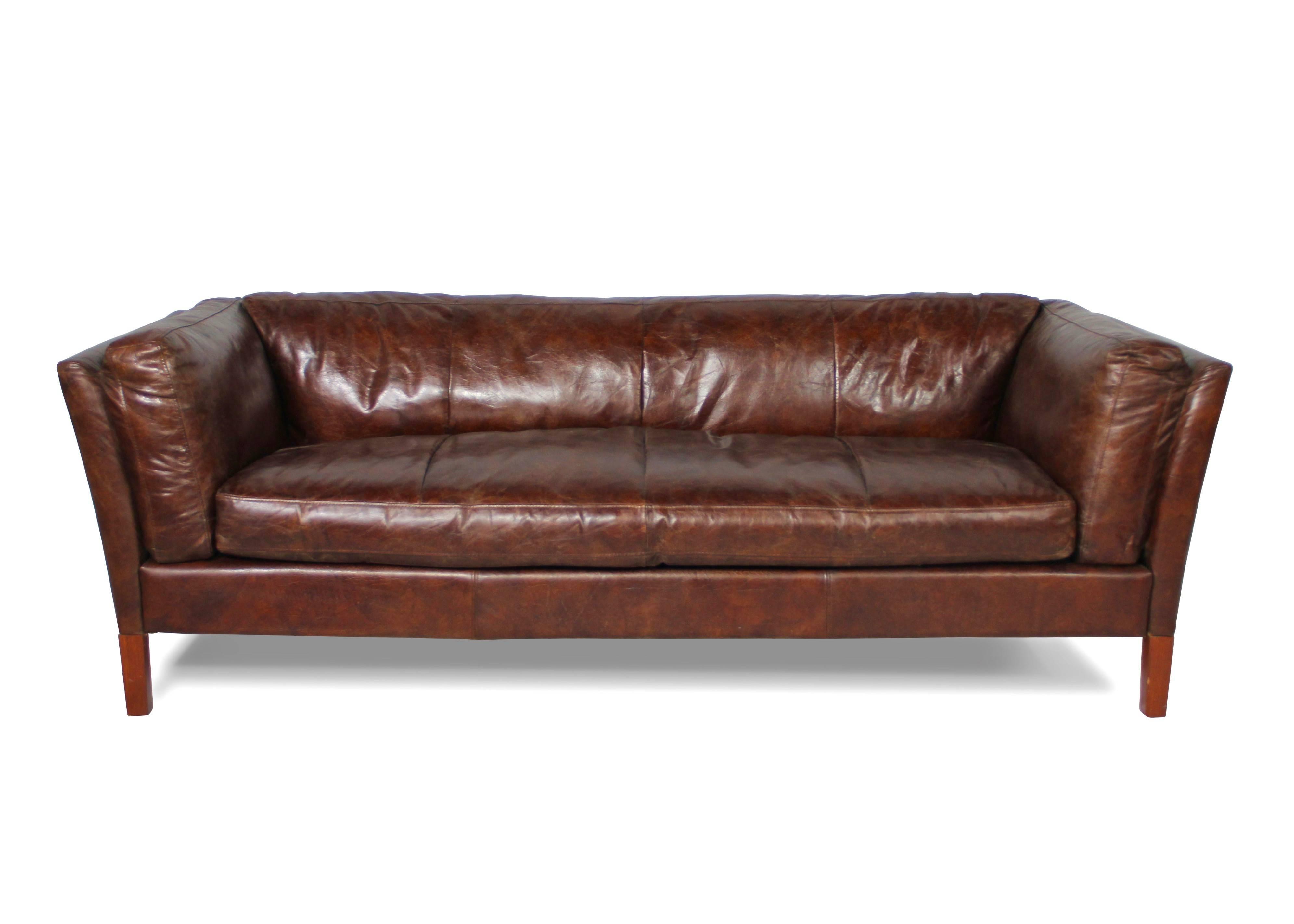 canap cuir vieilli marron vintage trois places style design. Black Bedroom Furniture Sets. Home Design Ideas